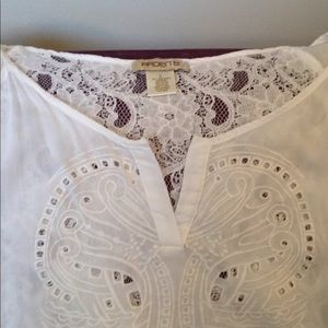 ARDEN B beautiful blouse